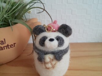 メロンパン大好き つぶらな瞳のほんわかパンダさん 羊毛フェルトの画像