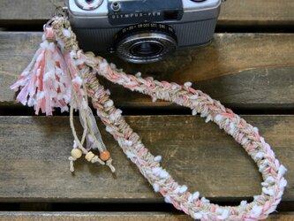雪玉ヤーンの麻紐ヘンプハンドストラップの画像