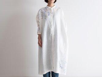 スタンドカラーシャツドレス 萩の画像