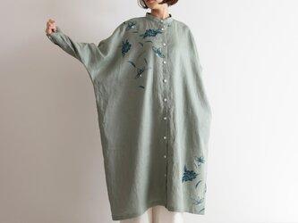 スタンドカラーシャツドレス 更紗・牡丹の画像