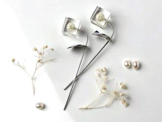 ライスフラワーの一輪挿しピアス サージカルステンレス(バレンタイン,スワロフスキー,誕生石,誕生日プレゼント,ギフト)の画像