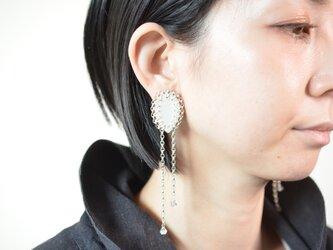 """【レザーピアス/イヤリング】 Tear Drop""""white""""の画像"""