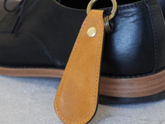 ステッチが選べる【本革】靴べらキーホルダー(イエロー)の画像