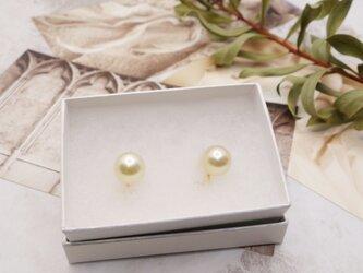 南洋白蝶真珠 ゴールデンパール 一粒イヤリングの画像