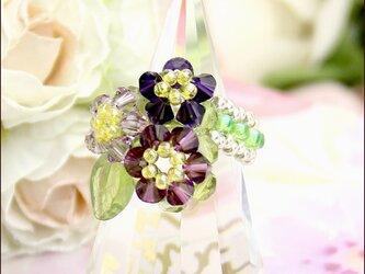 スワロフスキー高貴な紫3凛華(スワロフスキー ビーズリング)《ビーズアクセサリー》の画像