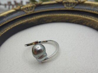 黒蝶真珠の指輪の画像