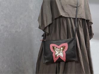 ぺたんこ軽いサコッシュBAG⁑バタフライ#シープレザーの画像