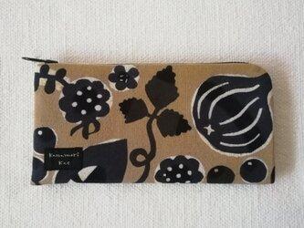 型染め 長財布「赤い木の実」の画像