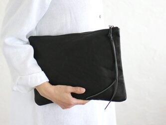 『ワックスレザー クラッチバッグ』 B5 タブレット バッグinバッグ 本牛革 フラットポーチ (ブラック)の画像