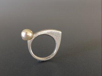 あこや真珠のデザインリングの画像