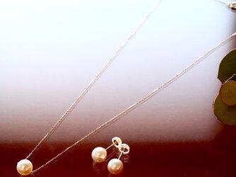 Sot.to K18YG  大粒アコヤ真珠の一粒ピアス(またはイヤリング)&ネックレスセットの画像