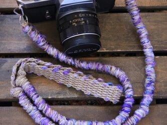 数量限定/ピュアシルクとバナーヌヤーンの麻紐ヘンプカメラストラップ(2重リング)の画像
