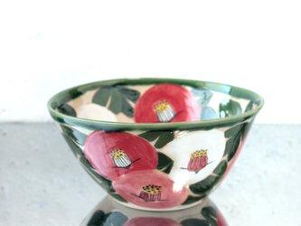 紅白桃色の椿の大鉢の画像