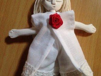 象書妖精人形赤い薔薇の画像