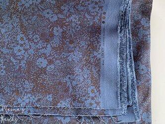 リバティ 青 花柄 ツイル系 ストレッチニット はぎれ 生地の画像