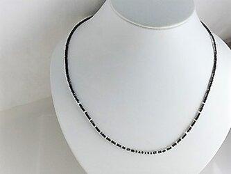 ★10月誕生石★オパールとブラックスピネルのシンプルネックレス♪の画像