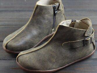 【受注製作】丸トウ ぺたんこ牛革レザーショートブーツ ストラップ 靴 手製裁縫 2色展開 SJE0202の画像