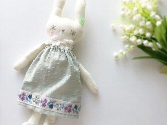 snow rabbit 麻 アンティークwhite グレイッシュグリーンの画像