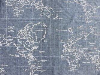 暖簾 カフェカーテン、お部屋の間仕切り 世界地図 紺グレー色 丈40cmまでの画像