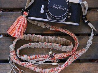 引き揃えニットの麻紐カメラストラップ-オレンジ系(ベルト)の画像