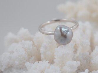 芥子真珠の指輪の画像