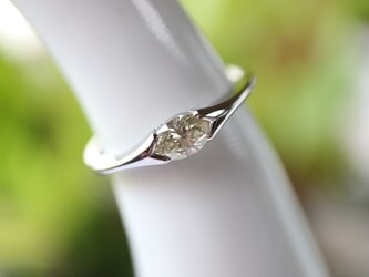 マーキスダイヤ指輪の画像