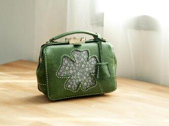 【花が咲き】がま口バッグ 本革手作りのレザーショルダーバッグ 総手縫い 手持ち 肩掛け 2WAY 鞄 大の画像