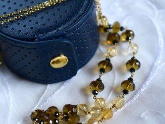 蜂蜜色のネックレス(各種クォーツ)の画像