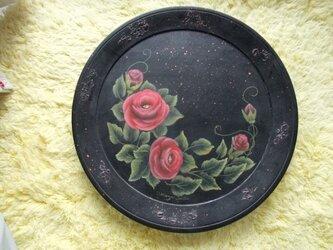 バラの飾り皿の画像