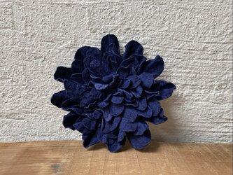 革花のブローチピン 2Lサイズ 紺-2の画像