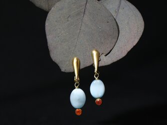 ラリマーとファイアオパールのイヤリングの画像