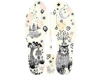 グラフィックインソール SOKO(ワンダーランド:キングオブキャット)猫・王様・風船・中敷・消臭・抗菌・ricco・猫の画像