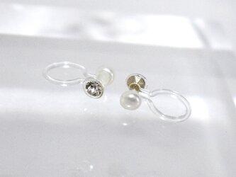 3mm 極小本真珠ベビーパール&スワロフスキー ノンホールピアス イヤリング 金属アレルギー対応 リバーシブル 淡水真珠の画像