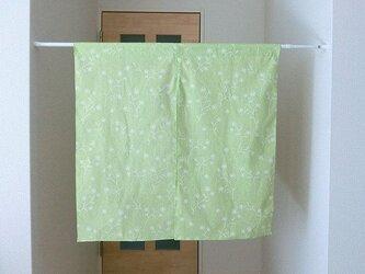 暖簾 間仕切り 若草黄緑色 リーフ 植物柄 幅85cm丈84cmの画像