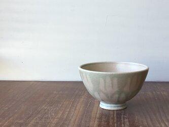 茶碗 釉彩並びチューリップの画像