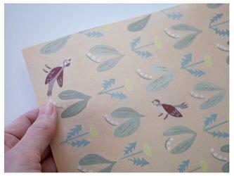 A4サイズ 包装紙/ラッピングペーパー 『スズランと鳥』30枚入りの画像