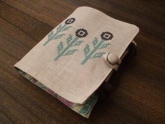 <訳あり>クロスステッチ花刺繍のマスクケース 薄モーブの画像