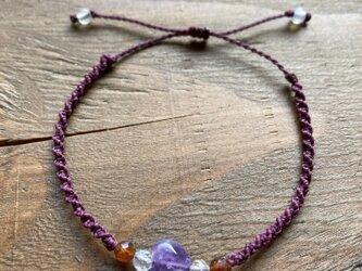 小さな紫ハート(天然石アメジスト)コードブレスレットの画像