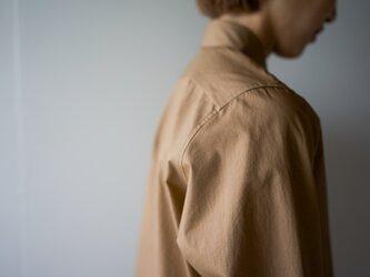 air tumbler cotton shirt/brownの画像