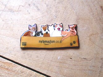 箱入り7にゃんの猫さん達のブローチ(USBメモリチャーム)の画像