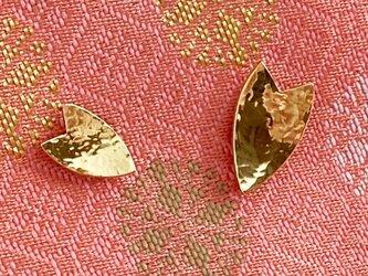 桜の花びら◇真鍮ピンバッジ Mの画像