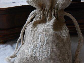 リネンに刺繍 [青森ヒバの抗菌サシェ] ホワイト刺繍の画像