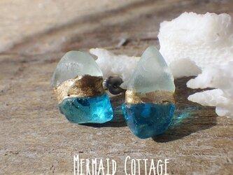 Grotta Azzurra 青の洞窟ガラスとシーグラスの金継ぎピアス☆チタン☆アレルギー対応の画像