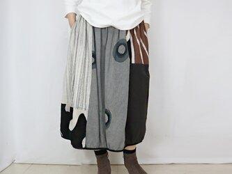 草木染め、手織り綿のパッチワークバルーンスカート、フリーサイズの画像