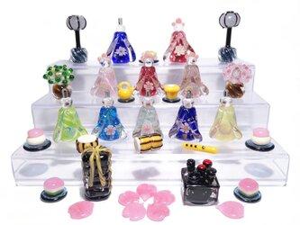 とんぼ玉雛人形 ガラスの小さな卓上ひな人形・三人官女と五人囃子の画像