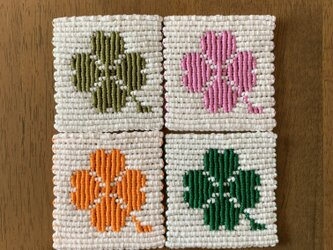 漂白剤が使えるマクラメ 四葉のクローバーのコースター4枚セットの画像