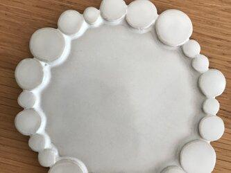 白いまるまる皿(小)の画像
