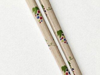 《再販》白漆の摺り漆箸 〈漆絵・野葡萄〉細めの画像
