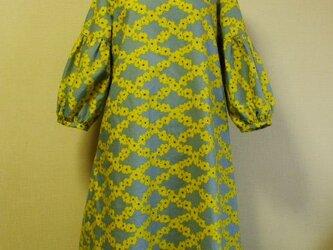 黄色花柄プリント ラウンドネック袖口ギャザー7分丈袖ワンピース 両脇ポケット付き M~LLサイズ  受注生産の画像
