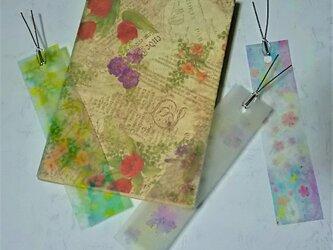 透明な3種の花の栞(しおり) パステルアートのブックマーク3枚セットの画像